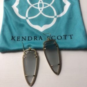 Kendra Scott Arrow Head Earrings